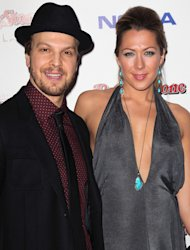Colbie Caillat and Gavin DeGraw Duet for 'Safe Haven' Movie