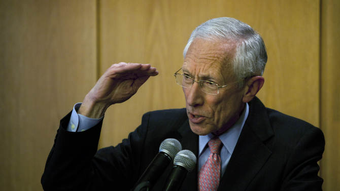 Israel central bank chief quits to be with family