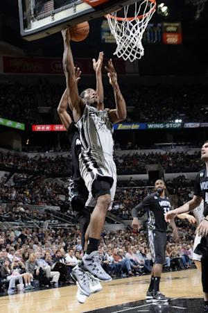 Leonard scores 17 as Spurs beat Wolves 104-86
