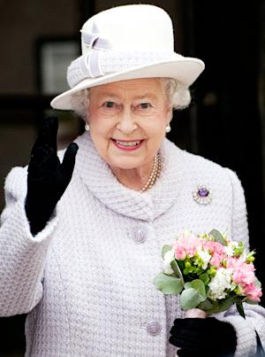 Queen Elizabeth II to Give Christmas Message in 3D