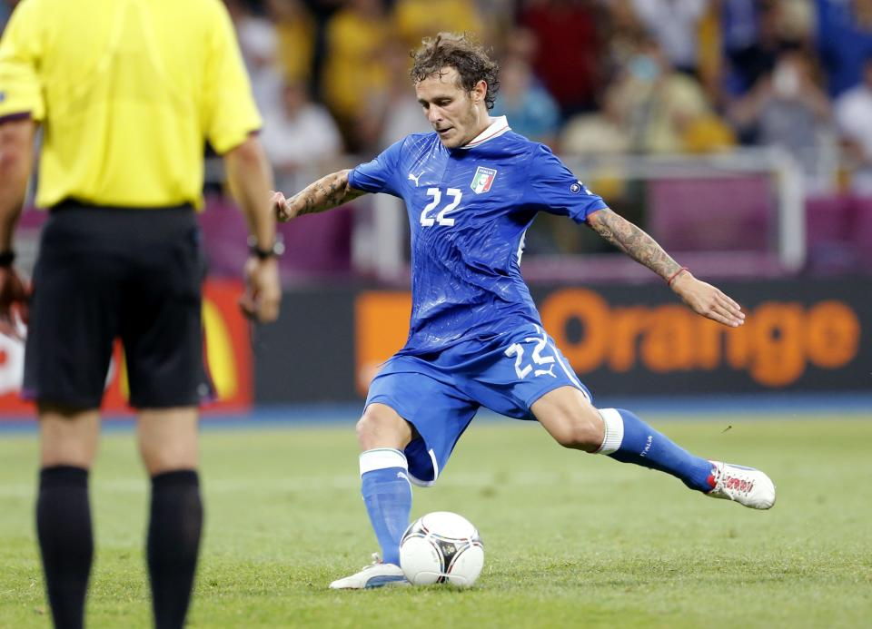 Italy's Alessandro Diamanti scores in the decisive penalty shootout during the Euro 2012 soccer championship quarterfinal match between England and Italy in Kiev, Ukraine, Monday, June 25, 2012. (AP Photo/Gregorio Borgia)