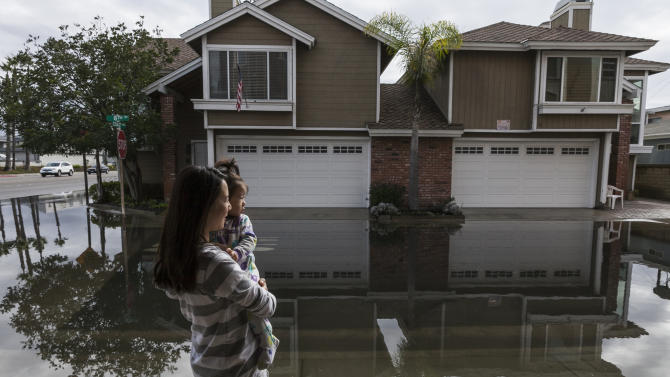 California in for more unusually high 'king tides'