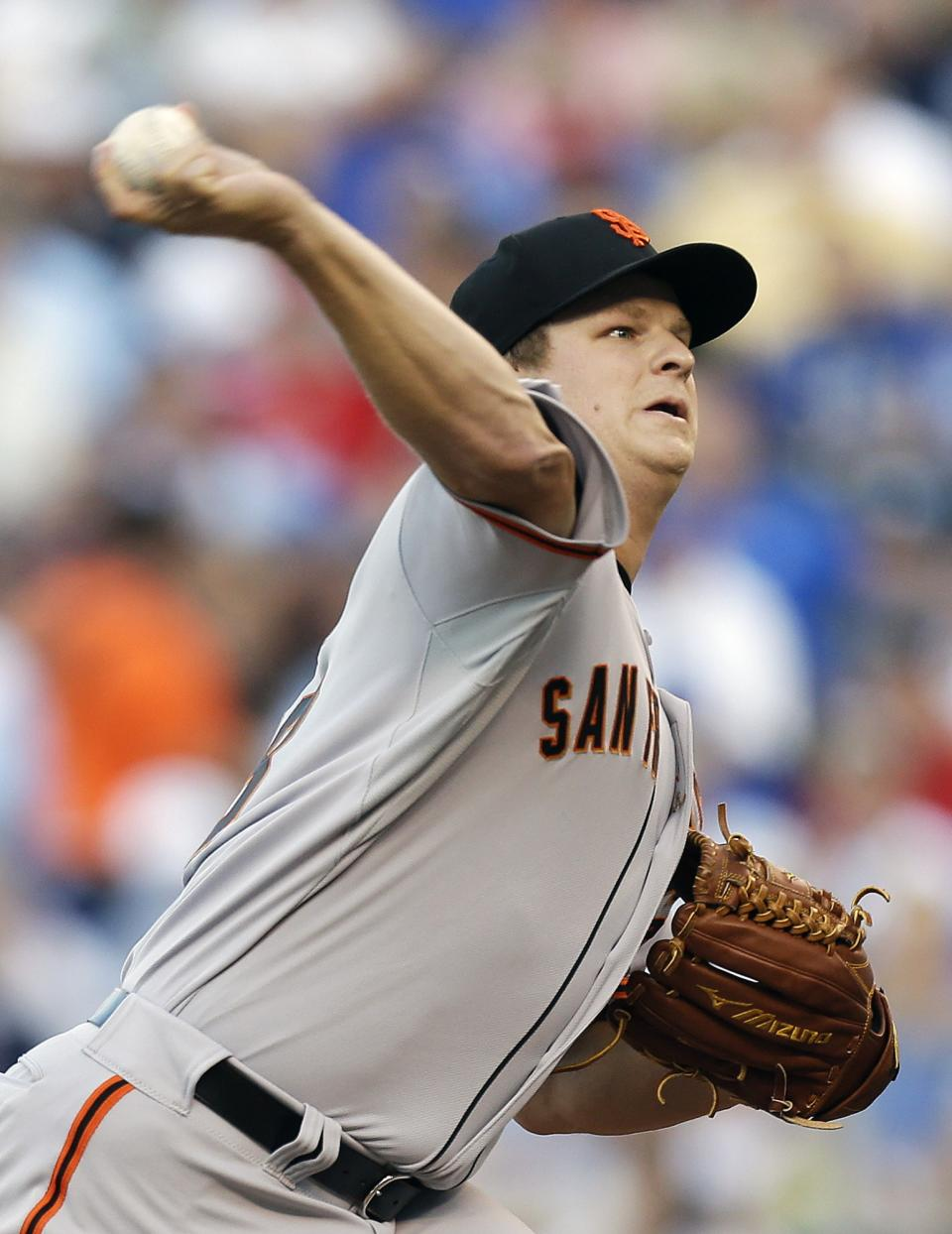 National League's Matt Cain, of the San Francisco Giants, pitches during the first inning of the MLB All-Star baseball game Tuesday, July 10, 2012, in Kansas City, Mo. (AP Photo/Jeff Roberson)