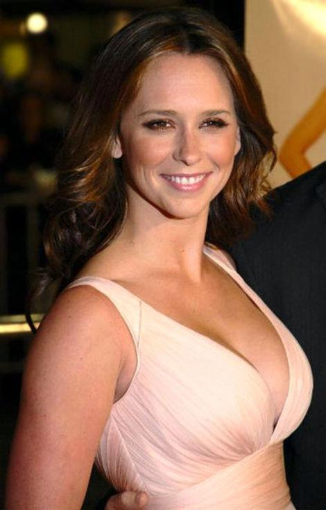 "Jennifer Love Hewitt is just one of many ladies about to get reject by new ""Bachelor"" Ben."
