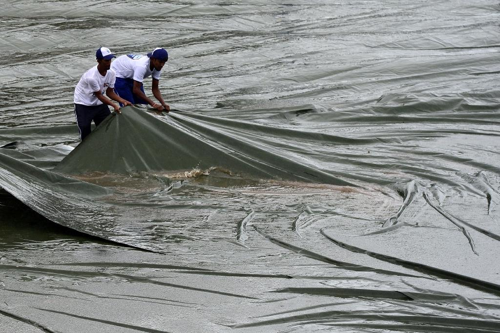 Rain washes out play in Colombo after Sri Lanka rattle India