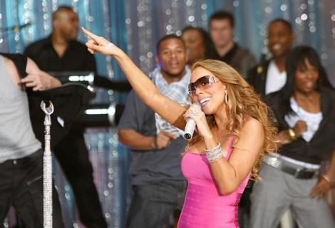 Mariah Carey Teams Up with R. Kelly on New Song - Best Celebrity Tweets of the Weekend