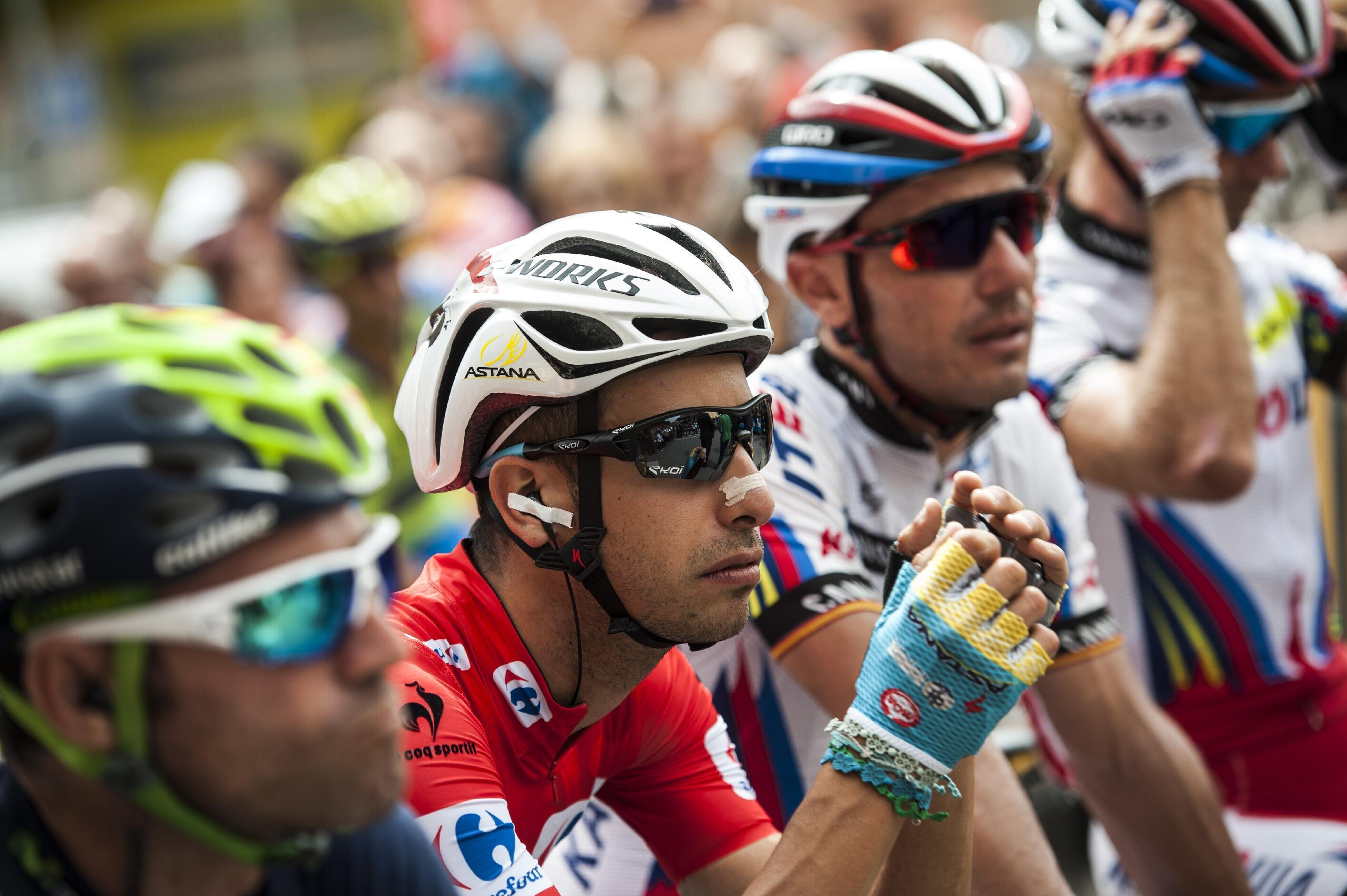 Oliveira of Portugal wins 13th Vuelta stage, Aru keeps lead