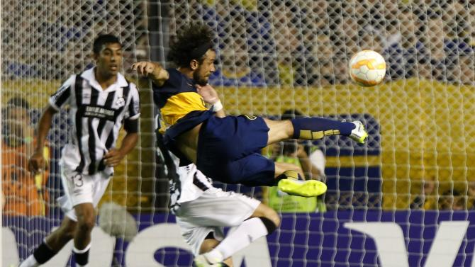 Osvaldo of Argentina's Boca Juniors attempts to score against Uruguay's Wanderers during their Copa Libertadores soccer match in Buenos Aires