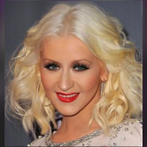 Christina Aguilera Says Something Magical With Her INSANE Voice!