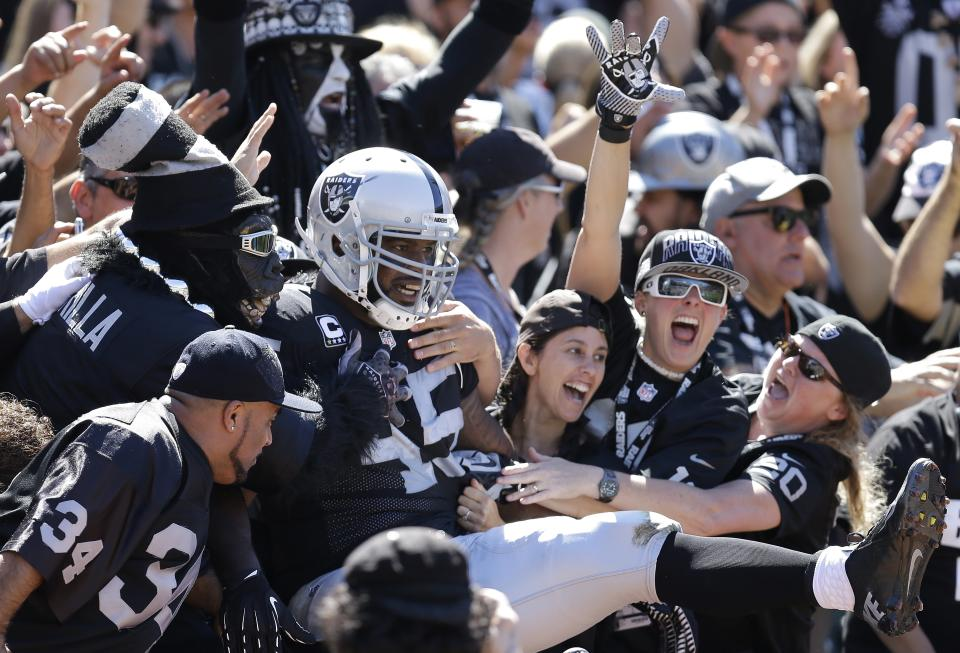McFadden, Raiders run past Jags for 19-9 victory