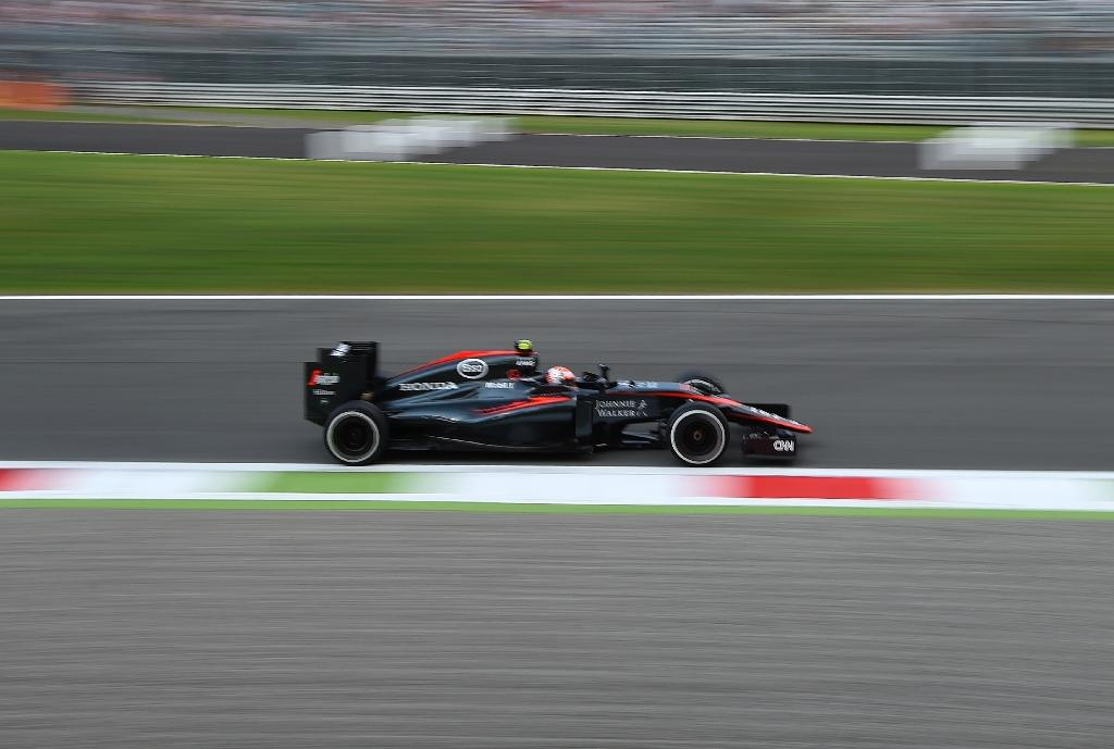 McLaren 'intend' to keep Button, says Boullier