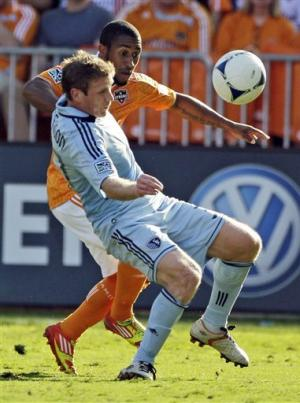 Moffat and Bruin give Dynamo win over Sporting KC