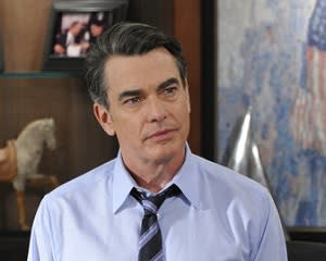 How I Met Your Mother Gets Schooled by Covert Affairs' Peter Gallagher