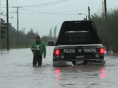 Raw: Hurricane Paul races toward Baja peninsula