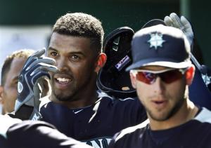 Peguero homers twice, Mariners beat Indians