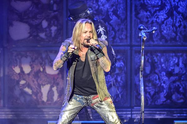 Vince Neil Hospitalized During Motley Crue Concert