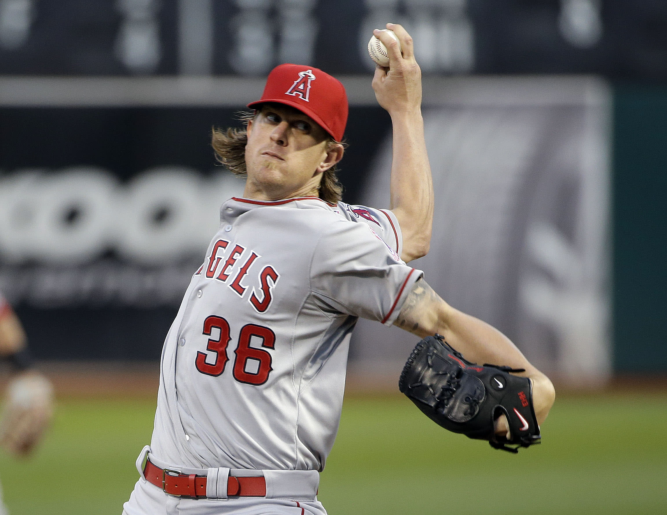 LEADING OFF: Astros stalk 10th W in row, Weaver goes for 1st