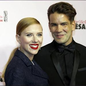"Pregnant Scarlett Johansson Will Be A ""Wonderful"" Mom, Says Pal Jon Favreau"