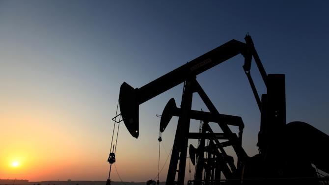 Oil above $108 as Syria crisis keeps traders wary