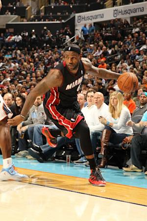LeBron James back in lineup for Heat after injury