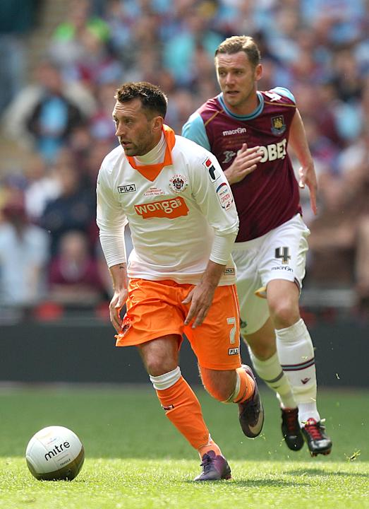 Stephen Dobbie, left, has signed a three-year deal at Brighton