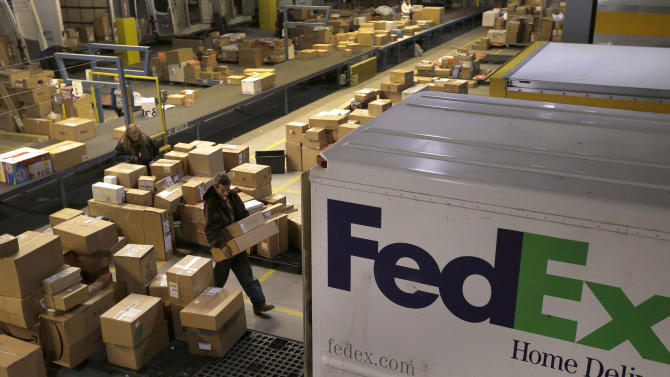 FedEx says it can grow by cutting costs