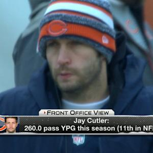 Are Chicago Bears taking a risk by starting quarterback Jay Cutler on Sunday?