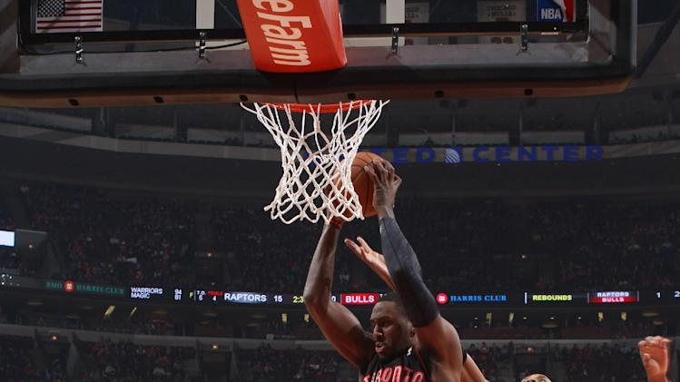 Valanciunas leads Raptors over Bulls 85-79