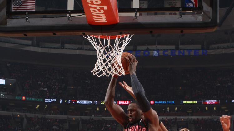 Valanciunas leads Raptors over Bulls 85-79