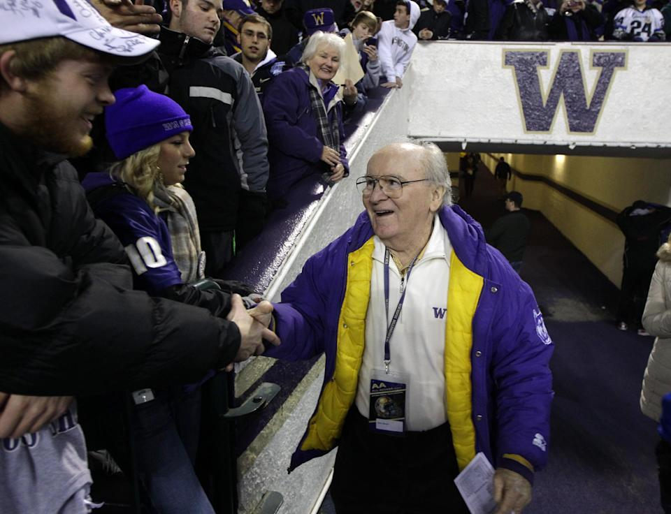 Washington announces plans to honor Don James
