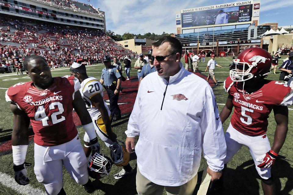 New-look Arkansas defense faces test at Rutgers