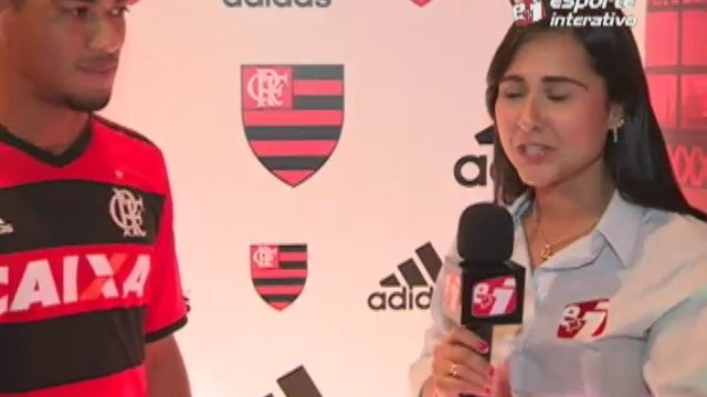 Exclusivo! Hernane fala sobre a nova camisa do Flamengo