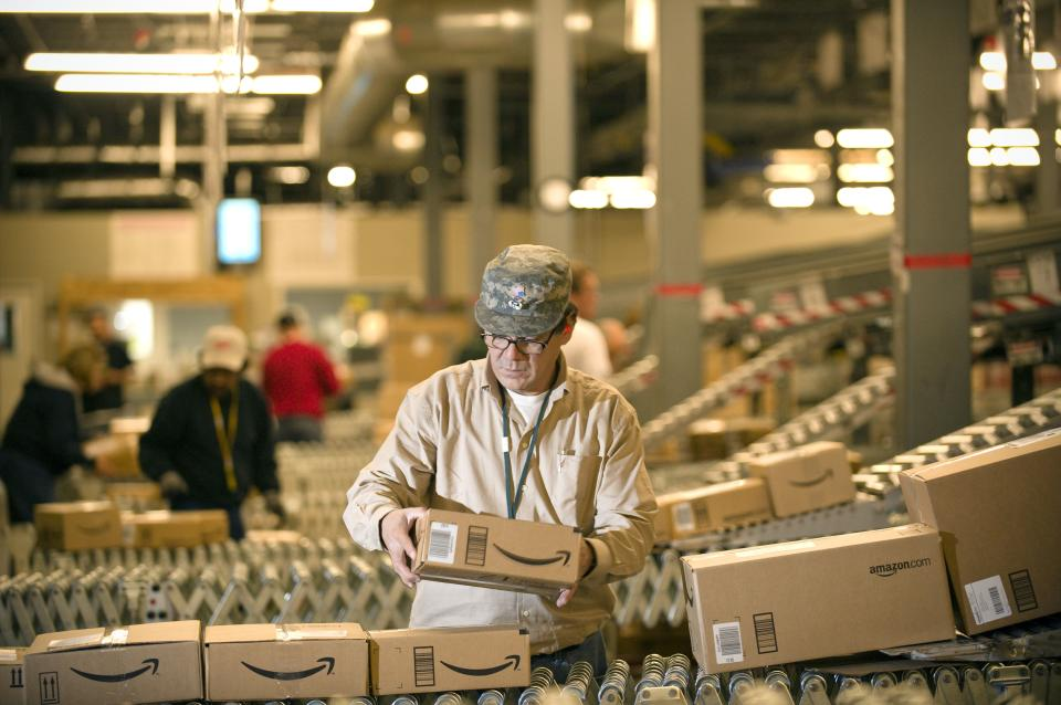 Amazon.com looks to fill 7,000 jobs in 13 states