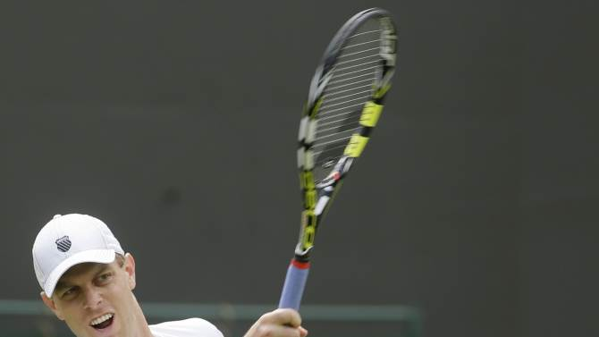 Top-seeded Querrey ousted by Smyczek in Newport