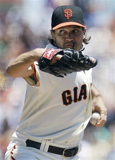 Zito throws gem for win 150 as Giants nip Cubs 2-0