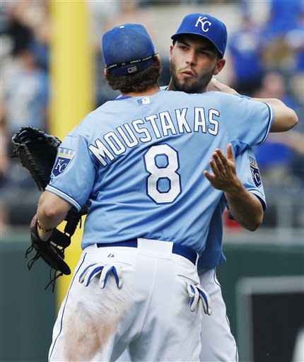 Gordon, Hosmer help Royals win 5th straight