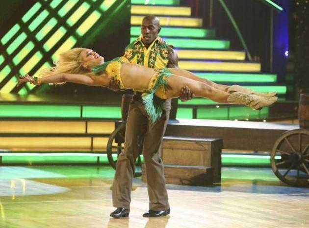 Donald Driver and Peta Murgatroyd perform their freestyle on the 'Dancing with the Stars' finals, May 21, 2012 -- ABC