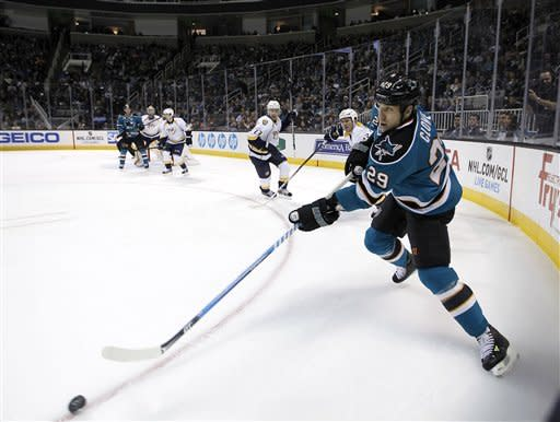 Sharks get 2 PP goals to beat Predators 2-1