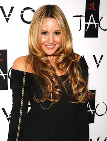Amanda Bynes Was Not Nude in Public, Employees and Security Footage Confirm