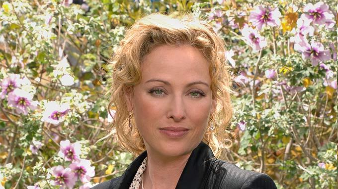 ytvperson id=29412]Virginia Madsen[/ytvperson] stars in Smith on CBS. Virginia Madsen
