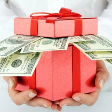 Dollars-in-a-present-box_web