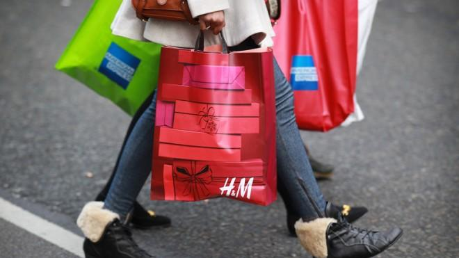 The U.S. economy grew by 2.5 percent in the first three months of the year. Analysts had been hoping for more.
