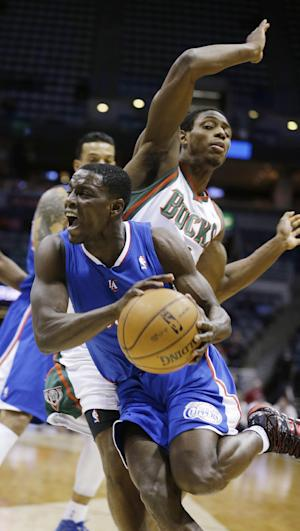 Clippers end Grammy trip, rout Bucks 114-86