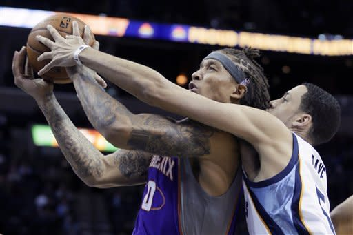Dragic helps Suns rally past Grizzlies