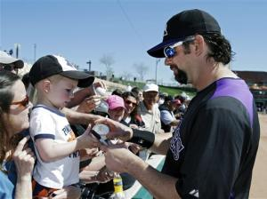 Konerko's 5th HR leads White Sox over Rockies 3-1