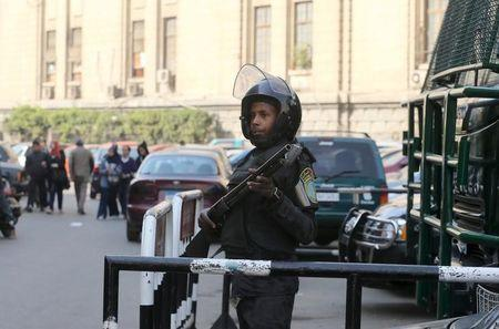 Egyptian police shoot four suspected militants in raid near Cairo