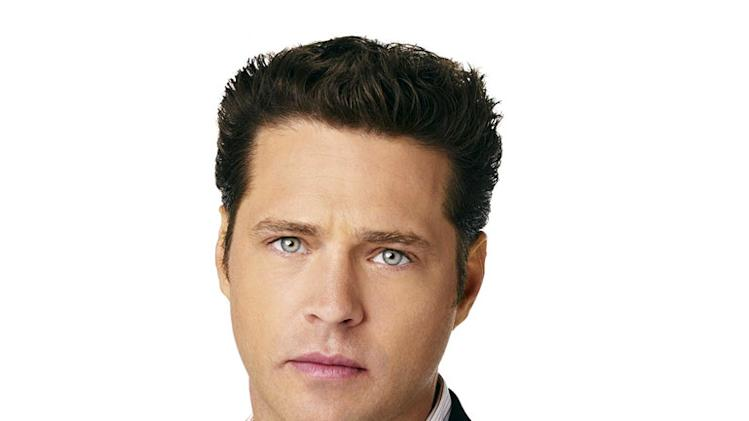 Jason Priestley stars as Ian Denison, a successful financial analyst and Jenny's fiancé, in Side Order of Life.