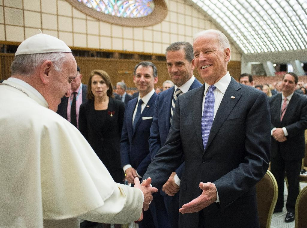 Biden takes 'Moonshot' cancer campaign to Vatican