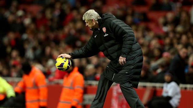 Arsene Wenger feels Arsenal have the 'mental strength' to deal with negative opinions