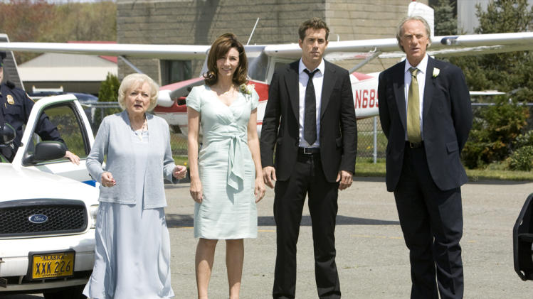 Betty White Mary Steenburgen Ryan Reynolds Craig T. Nelson The Proposal Production Stills 2009